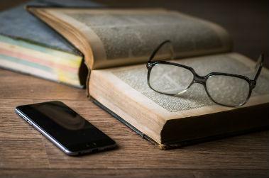 Lire à l'ère du numérique, une nouvelle économie en institut de formation paramédicale