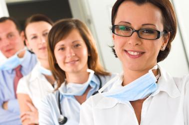 Service sanitaire dans la Loire : les étudiants infirmiers et médecins unis dans un même projet