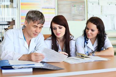Professionnaliser le tutorat pour des formations paramédicales de qualité homogène